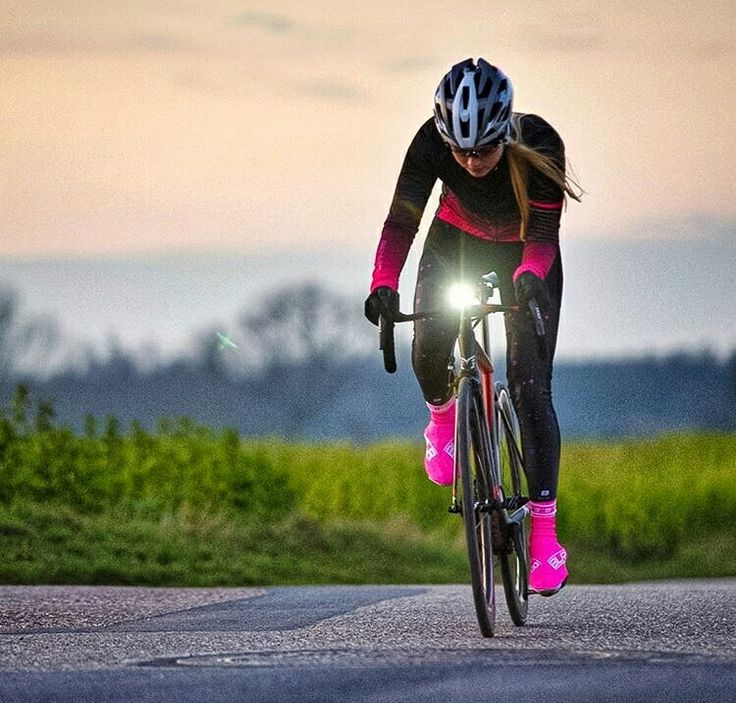 https://i.pinimg.com/736x/52/99/1c/52991c247350d38f9cfd9d872e4fbdc6--cycling-girls-womens-cycling.jpg